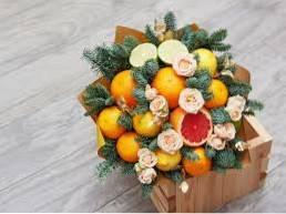 Dodawanie Owoców W Kompozycje Kwiatowe Dokonywanie Bukiet Owoców I Kwiatów